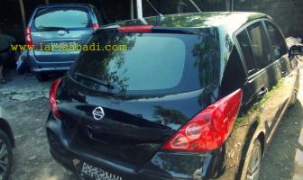 Nissan Latio, Pembuatan Grill dan Spoiler Custom